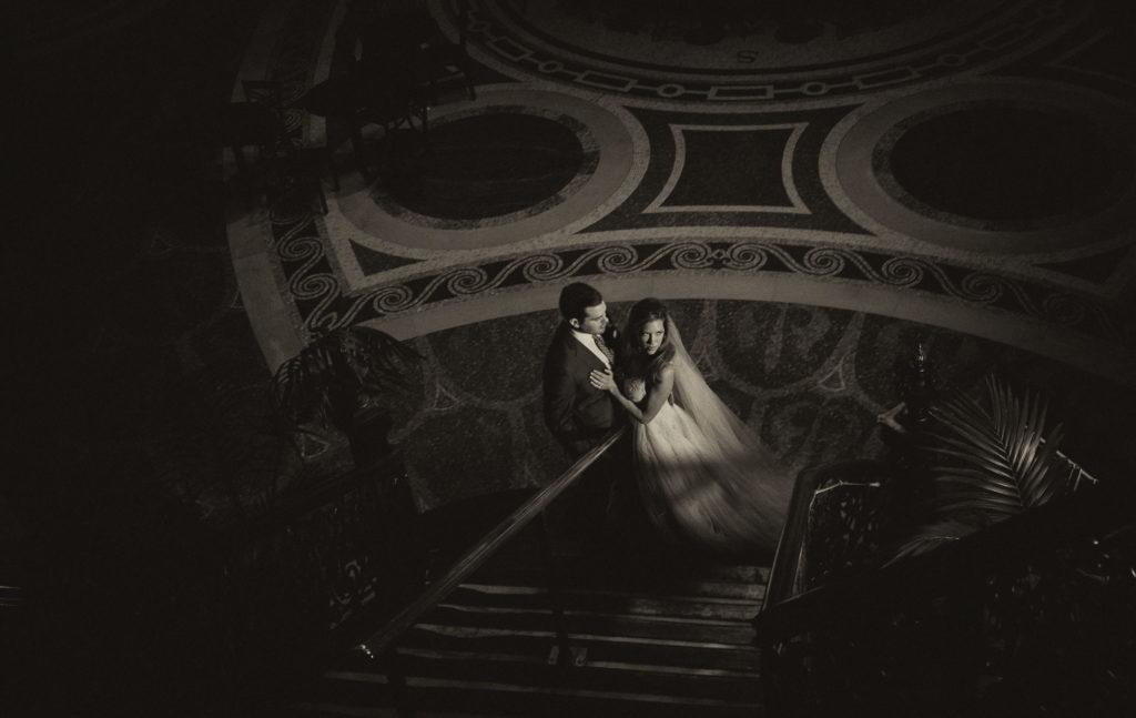 dramatic-lighting-in-weddings1