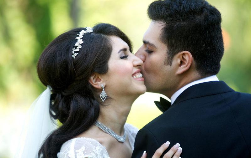 intimate-wedding-photo2
